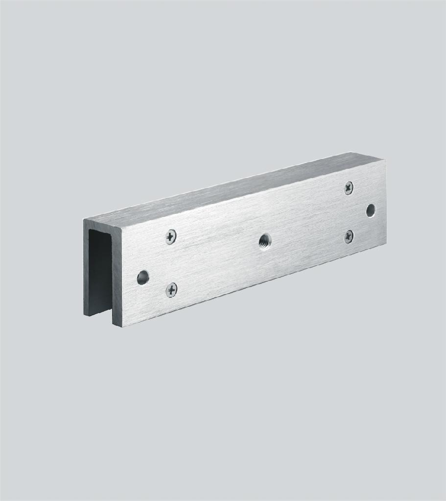 cavalier pour porte en verre accessoire ventouse lectromagn tique bt security. Black Bedroom Furniture Sets. Home Design Ideas
