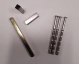 Kit visserie carré de 7mm + 2 entretoises de 8mm (pour BT07, LOCKY)